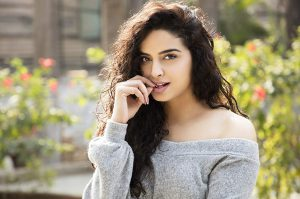 sangya lakhanpal to debut in music videos
